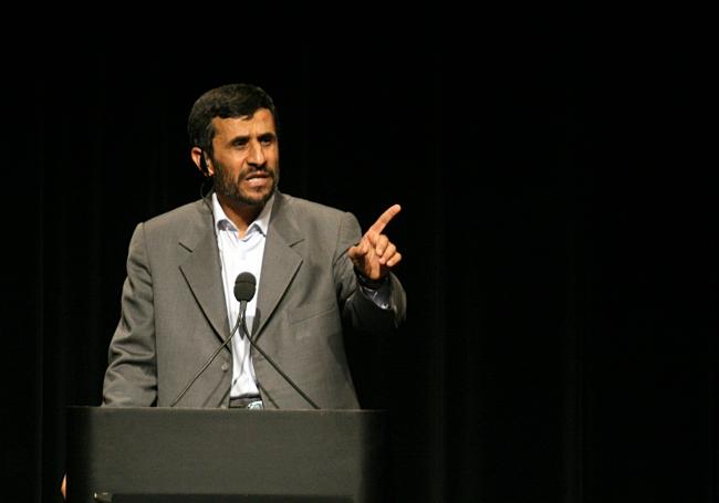 Mahmoud Ahmadinejad: .... schunnig gezwatel..... ©Daniella Zalcman