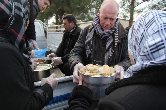 Verstrekking van warme maaltijden voor 10´000 vluchtelingen in Jarabulus in Noord-Syrië